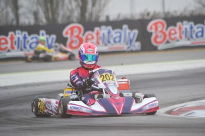 IN THE QUALIFYING HEATS OF THE WSK CHAMPIONS CUP OF ADRIA IGLESIAS (F - FORMULA K-TM KZ2), BASZ (PL - KOSMIC-VORTEX OK) AND CIVICO (E – CROC-TM OKJ) ARE THE LEADERS. LOTS OF DRIVERS CAN AIM AT VICTORY IN THE 60 MINI. Gallery