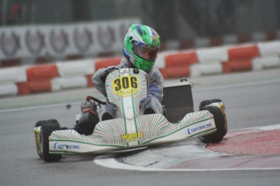 WET TRACK FOR THE HEATS TODAY AT THE WSK SUPER MASTER SERIES IN ADRIA (I). TRAVISANUTTO (I – ZANARDI-PARILLA) AND NOVALAK (GB – TONY KART-VORTEX) ARE THE POLE-SITTERS OF THE OK.