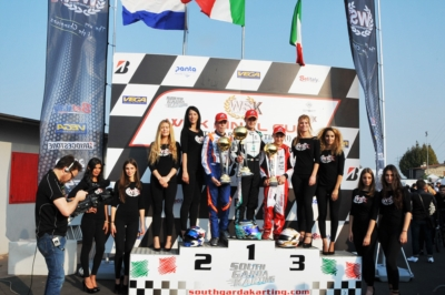 IL SOUTH GARDA KARTING DI LONATO (BS) FESTEGGIA I VINCITORI DI TAPPA DELLA WSK FINAL CUP: POWELL (JAM – ENERGY-TM 60 MINI), BARNARD (GB – KR-PARILLA OKJ), TRAVISANUTTO (I – KR-PARILLA OK) E LAMMERS (NL – SODI-TM KZ2).