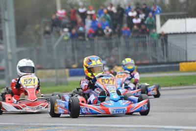 CLASSIFICATIONS OF WSK FINAL CUP OPENED UP AFTER THE ROUND IN CASTELLETTO (I). CURRENT LEADERS ARE POWELL (JAM – ENERGY-TM 60 MINI), BARNARD (GB – KR-PARILLA OKJ), RENAUDIN (F – SODI-TM KZ2) AND TRAVISANUTTO (I – KR-PARILLA OK). Gallery